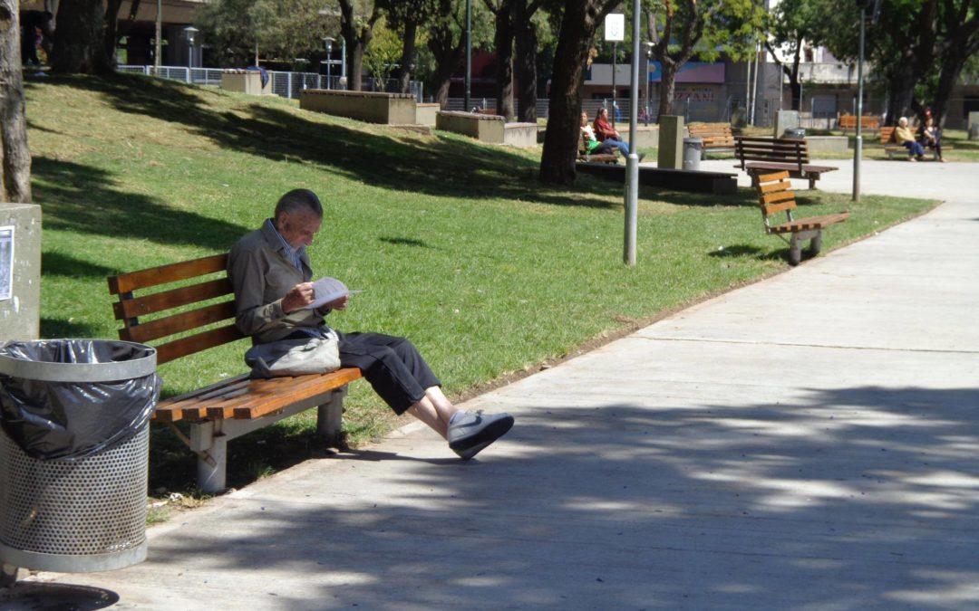 Buscan prohibir fumar en espacios verdes bonaerenses