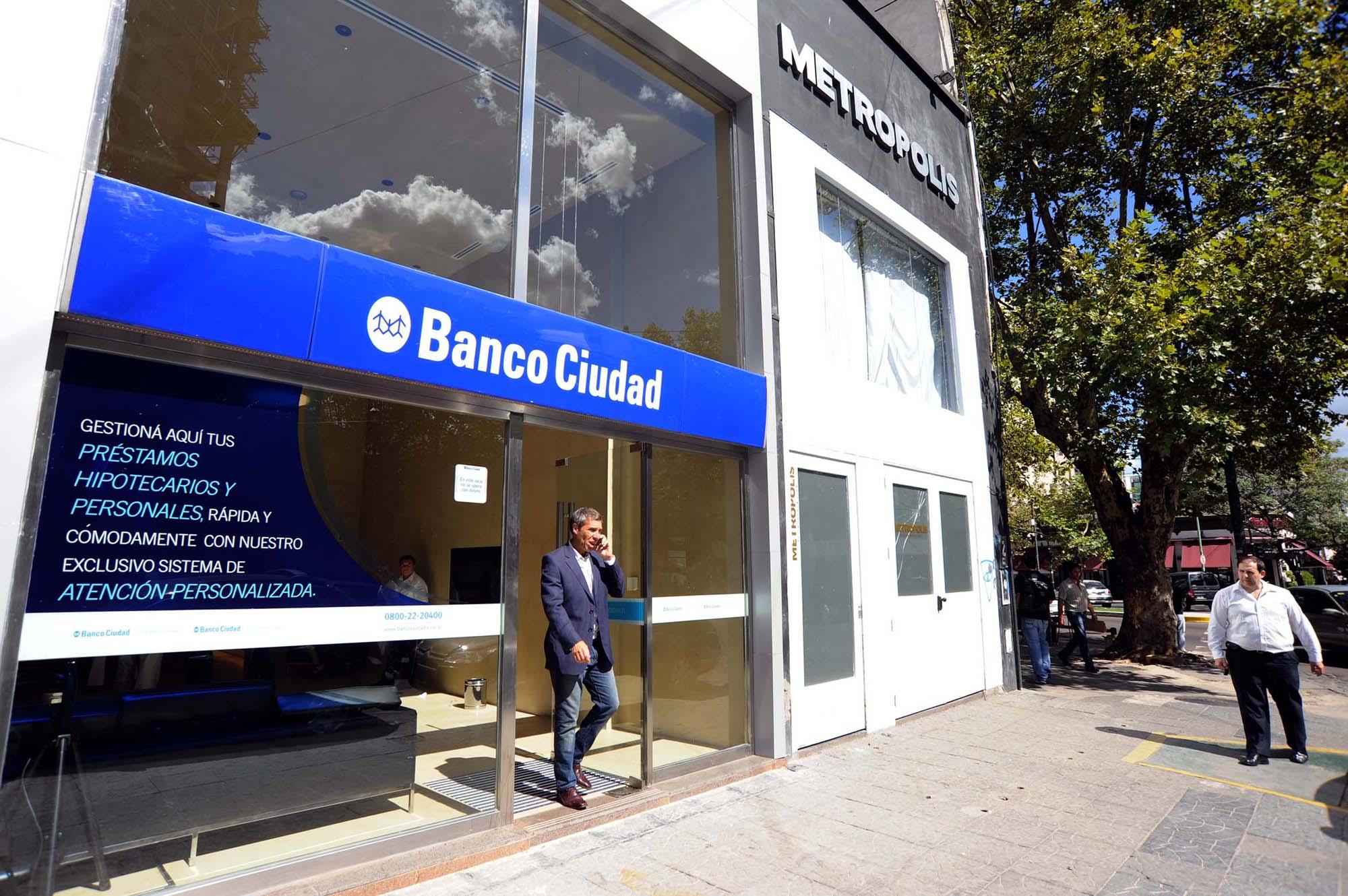 Un banco deberá adecuar la cuota de un préstamo  para que no supere el 25% del salario del deudor