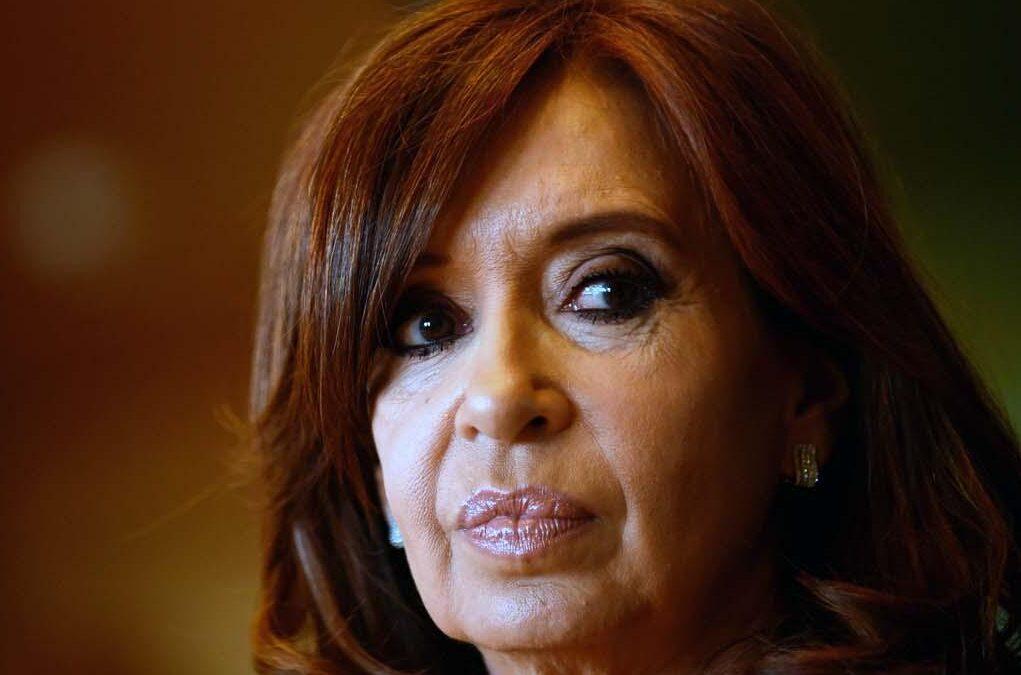 """Cristina Kirchner sobreseída en una parte de la causa """"Cuadernos"""" que investigaba coimas en subsidios al gasoil"""