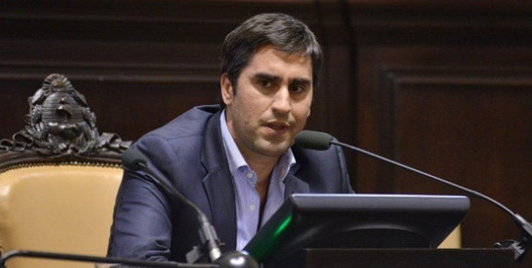 Licencia por unanimidad al diputado Mosca tras la denuncia de abuso
