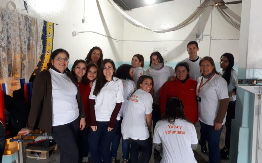 """Abogados voluntarios en el comedor """"La Rosa Mística"""""""