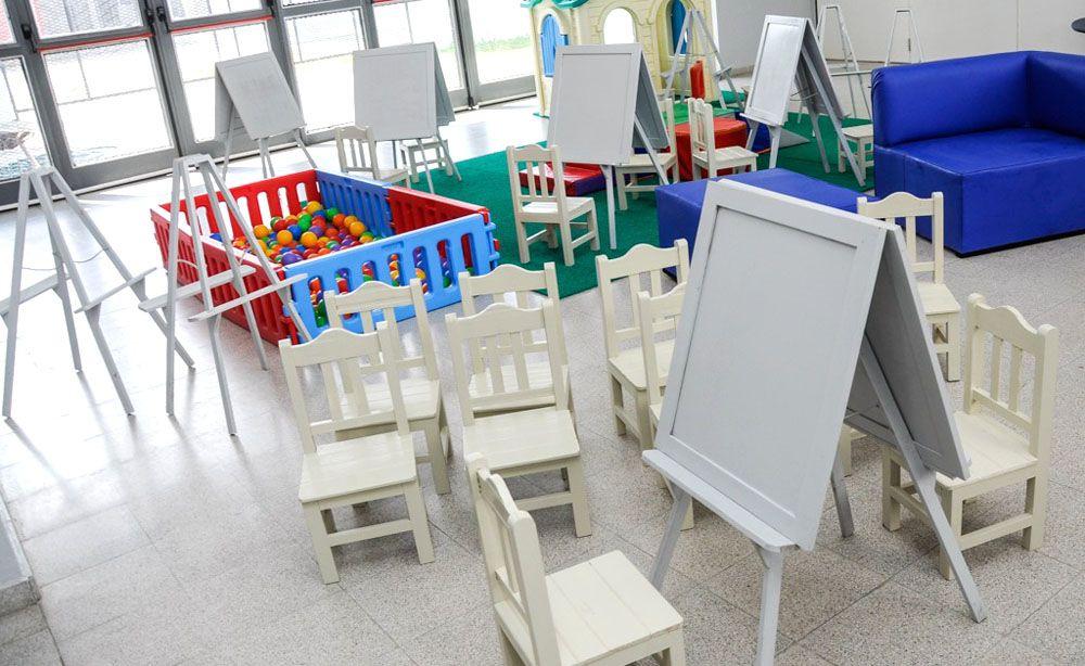 Presos donaron muebles a un jardín de infantes