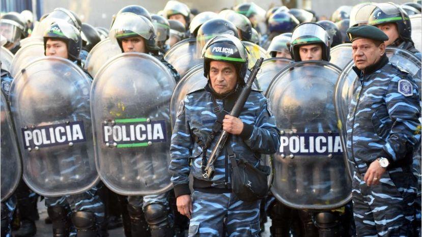 Tiroteo en Avellaneda: Ocho policías de la Bonaerense fueron separados