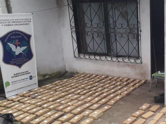 Operativo anti-drogas en Berazategui