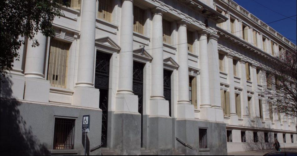 Córdoba: juicio contra médicos y abogados falsos