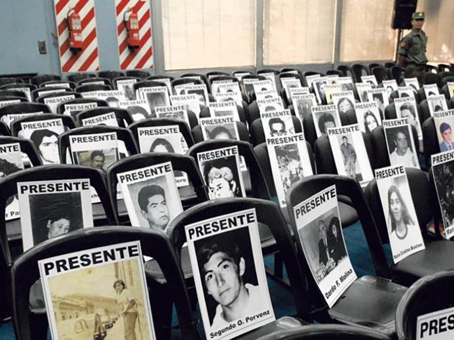 Negacionismo: cómo se penalizan estos discursos en Europa y que prevé el proyecto en Argentina