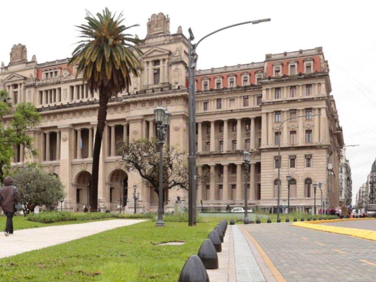 Aval judicial para que los abogados concurran todos los días a sus estudios jurídicos