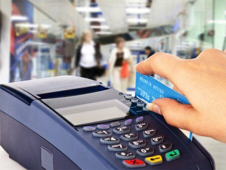 La Justicia suspendió el cobro del nuevo impuesto porteño a las tarjetas de crédito