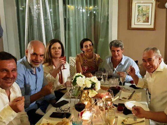 """Denunciaron a Larreta, Carrió y a 25 asistentes """"políticos"""" al cumpleaños en su chacra"""