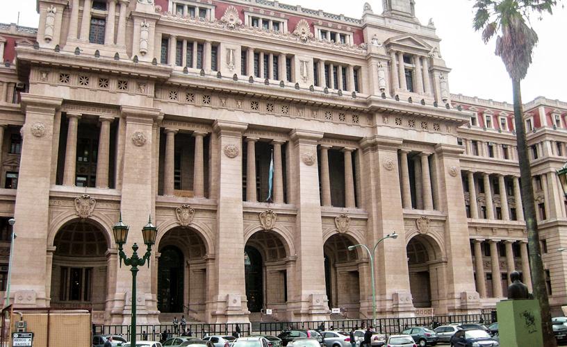 En el día de la asunción de Soria, los jueces y fiscales le marcan la cancha
