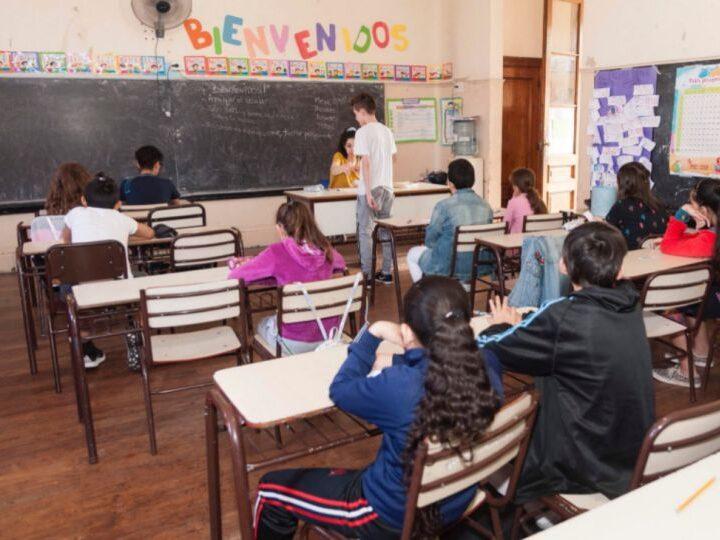 Un juez ordenó que no podrán quitarles vacantes ni faltas a los alumnos que no asistan a la escuela