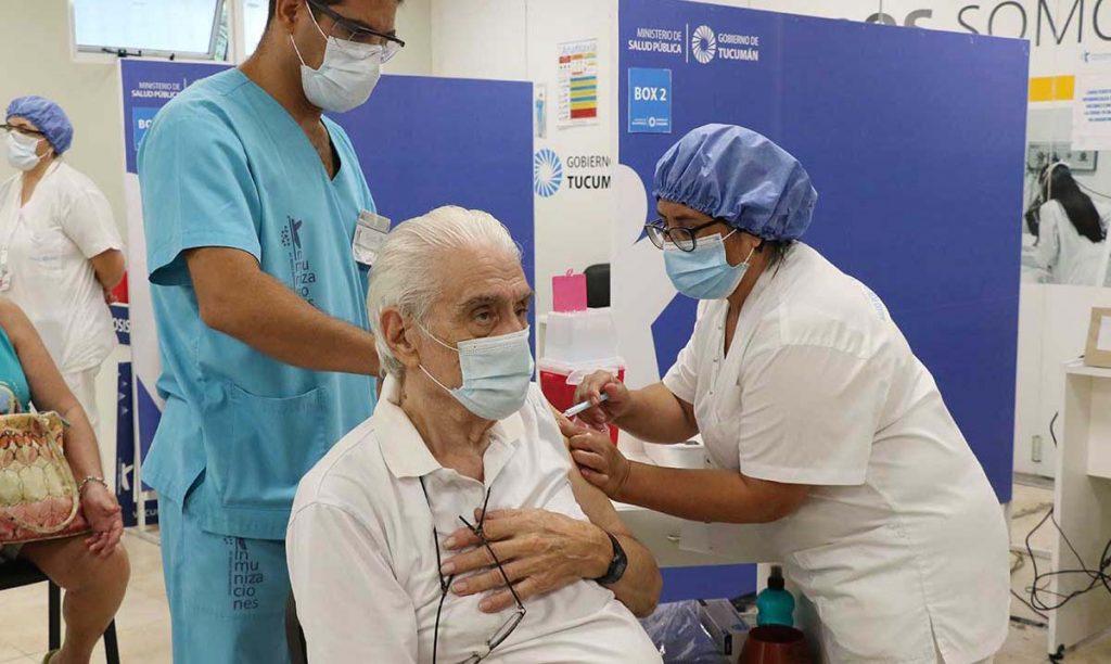 Un ciudadano exigió a la Justicia la vacunación para todos los adultos mayores de 70 años
